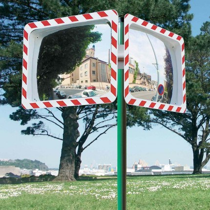 Optional Green Painted Post for a Vialux 554 Convex Traffic Mirror Red-White Polymir 60x40cm