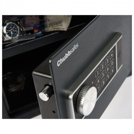 Side view of the Chubbsafes Air 15K lock comes with Anter tamper system