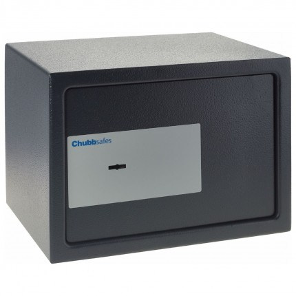 Chubbsafes Air 15K Closed comes with 2 keys and fixing bolts