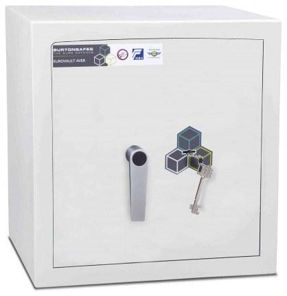 Burton Eurovault Aver 2K Eurograde 1 Key Locking Safe - door closed