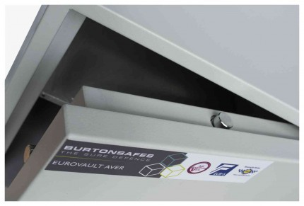 Burton Aver 3K Insurance Approved Key Locking Security Safe - door bolts