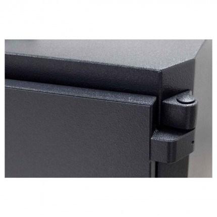 ChubbSafes Custodian 210 EuroGrade 4 Dual Locking Security Safe - door hinge