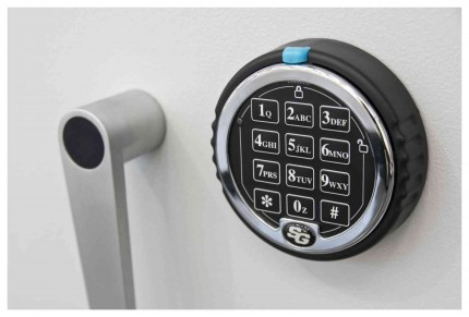 De Raat DRS Prisma 1-3E Large Eurograde 1 Electronic Safe Size 3 - lock detail