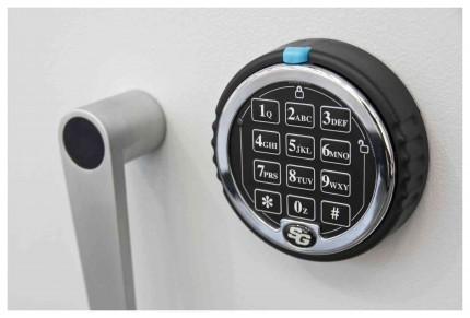 De Raat DRS Prisma 1-2E Large Eurograde 1 Electronic Safe Size 3 - lock detail