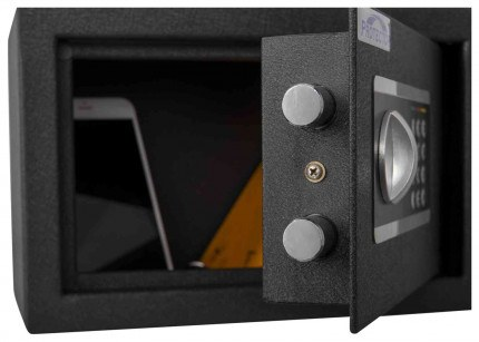 Protector Domestic DS2031E Digital Electronic Home Security Safe - bolts