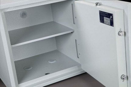 Burton Eurovault Aver 3K Police Approved Security Safe - shelf