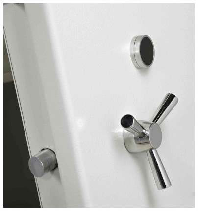 Dudley Europa Eurograde 3 £35,000 Security Safe Size 4 - door close up