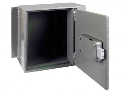 Churchill Magpie M3 Door with door wide open