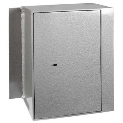 Churchill Magpie M5 Key Locking Door Closed