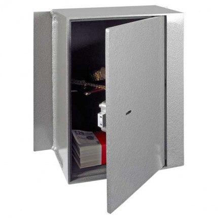 Churchill Magpie M5 with Key Locking Option Door Slightly Open