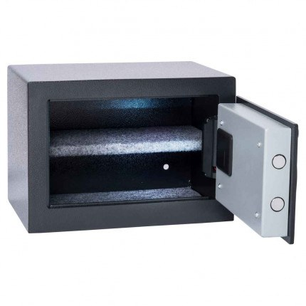 Chubbsafes HomeStar 17E Insurance Approved Electronic Security Safe - Door open wide