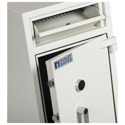 Dudley Hopper CR3000 Size 2 £3000 Cash Deposit Security Safe - close up