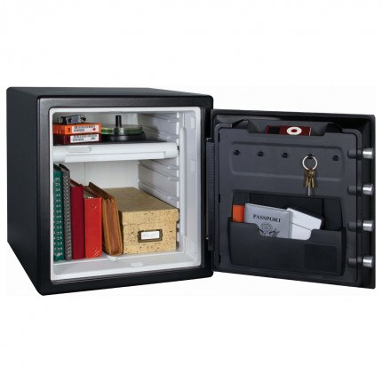 1 Hour Fire Water Digital Safe - Master Lock LFW-123FTC