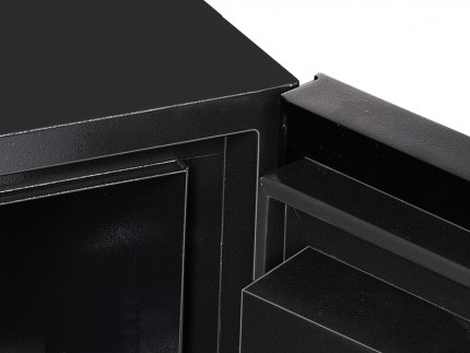 The Hinges of the Phoenix Next LS7002FC safe