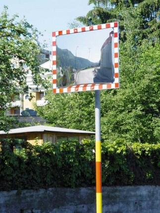 Durabel 1 Stainless Steel Convex Traffic Mirror 40x60cm in use