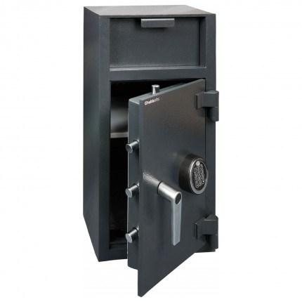 Chubbsafes Omega Deposit Safe Door is shown open showing 4 X 20 millimetre diameter steel bolts
