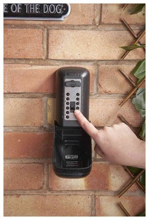 Supra P500 KeySafe Police Accredited Tamper Resistant Key Safe - entering code