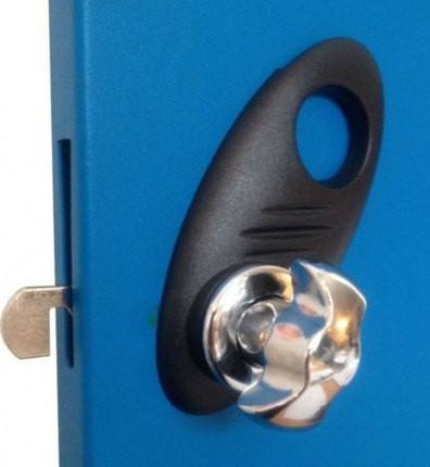 Probe Type B Hasp ,and Staple Lock in use