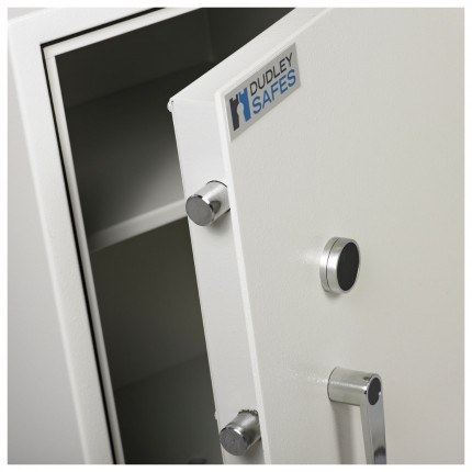 Dudley Harlech Lite Size 4 Insurance Rated Security Safe - close up