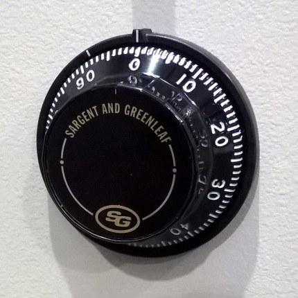 Churchill Bulldog CBS12 optional Sargent and Greenleaf 3 wheel dial combination lock
