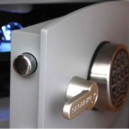 Digital Security Safe - Securikey Mini Vault Gold FR 1E - door close up