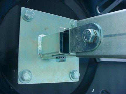 Vialux 886-SS Stainless Steel Traffic Mirror Wall Bracket