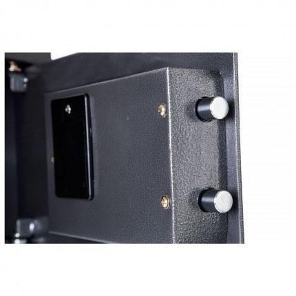 Phoenix Vela SS0801E close up of locking bolts