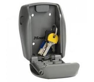 Master Lock 5415D Heavy Duty Combination Key Storage Safe - open
