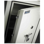 Dudley Europa Eurograde 5 £100,000 Security Safe Size 2 - door detail