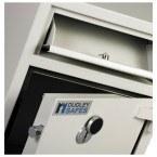 Dudley Hopper CR3000 Size 1 £3000 Cash Deposit Security Safe - close up